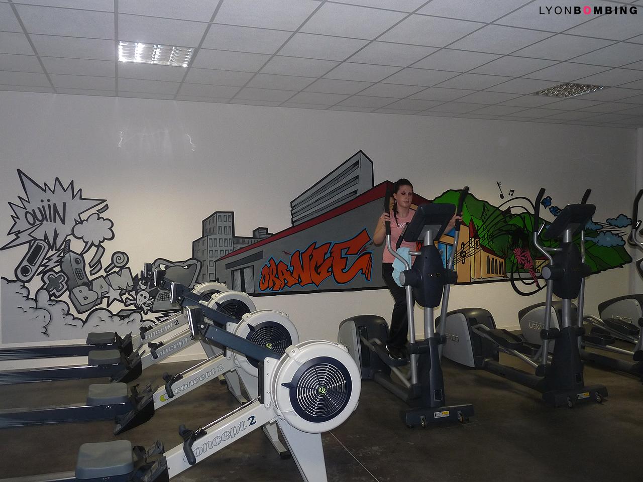 Salle de sport l orange bleue int rieur lyonbombing - Decoration salle de sport ...