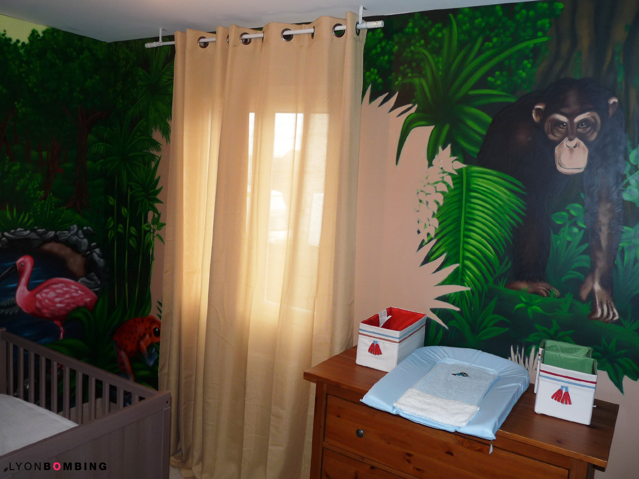 Chambre jungle chambre lyonbombing for Chambre bebe decoration