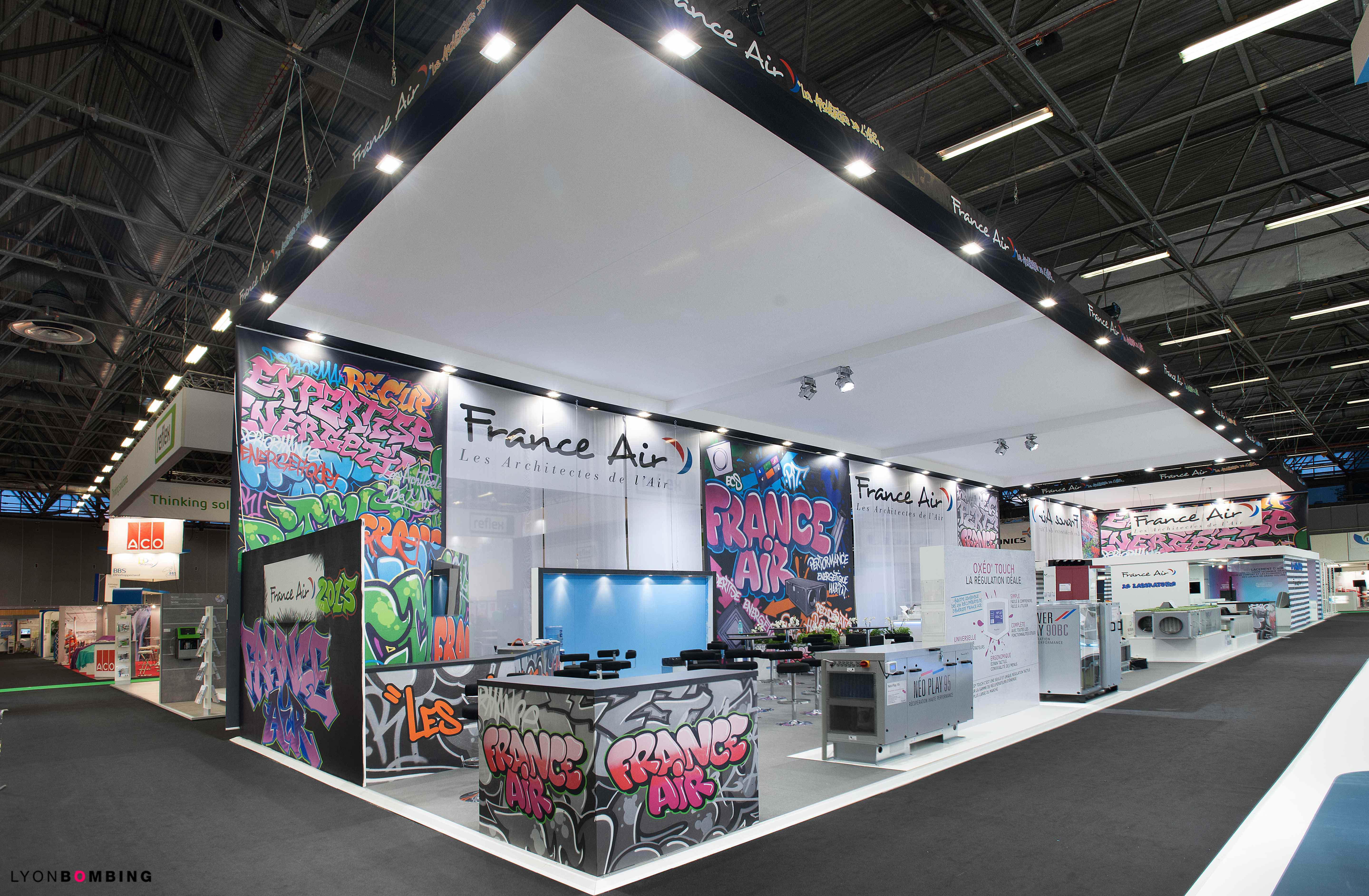 Stand graffiti france air ev nementiel lyonbombing for Salon stand